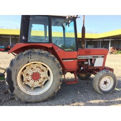 Tractor Case IH 745